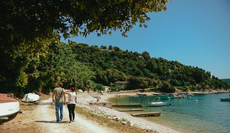 engagement_kalavojna_rakalj_istria_beach_istria_wedding_zarucnicko_fotograf_croatia_mediterranean_adriatic_sea_1385.jpg