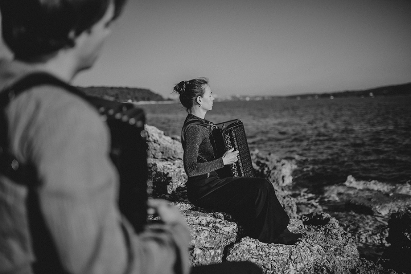 istria engagement vacation honeymoon photographer 3205 - Engagement story Mateja & Andar | The accordion players